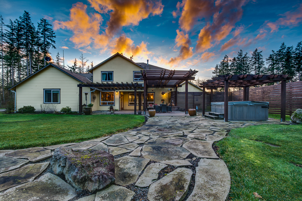549 Brindle Place Camano Island-66 Blended 2016-SMALL.jpg