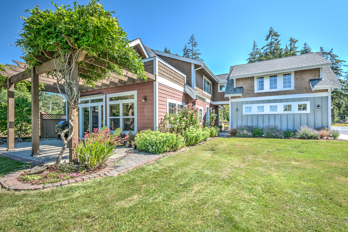 1264 Youngwood Rd HDR-72016-SMALL.jpg