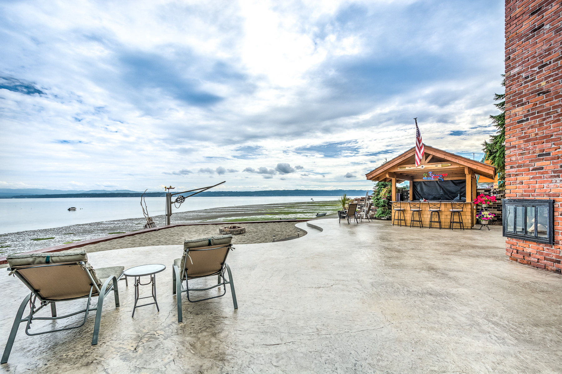 809 Port Susan Terrace Rd HDR Camano Island-32-1800x1200 sRGB.jpg