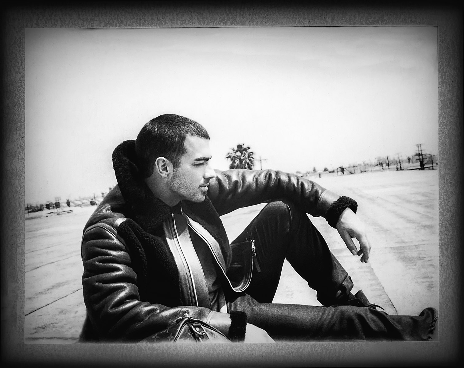 Joe Jonas_bw_1.jpg