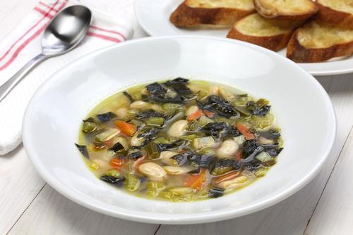 Jeramie's Sausage, Kale & White Bean Soup