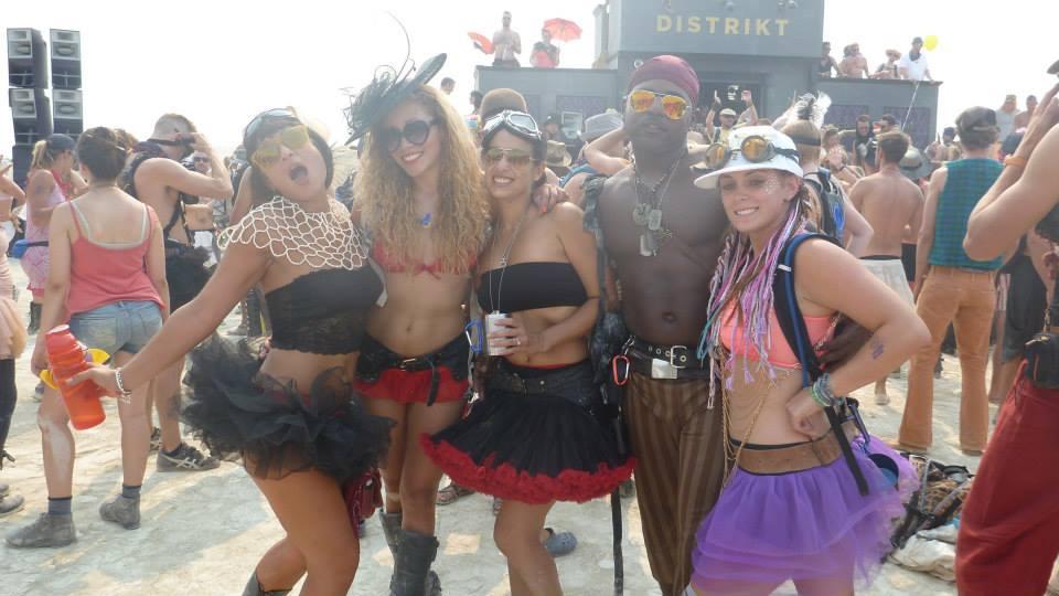 2013 Burn… Having a good time at Distrikt on Tutu Tuesday;)