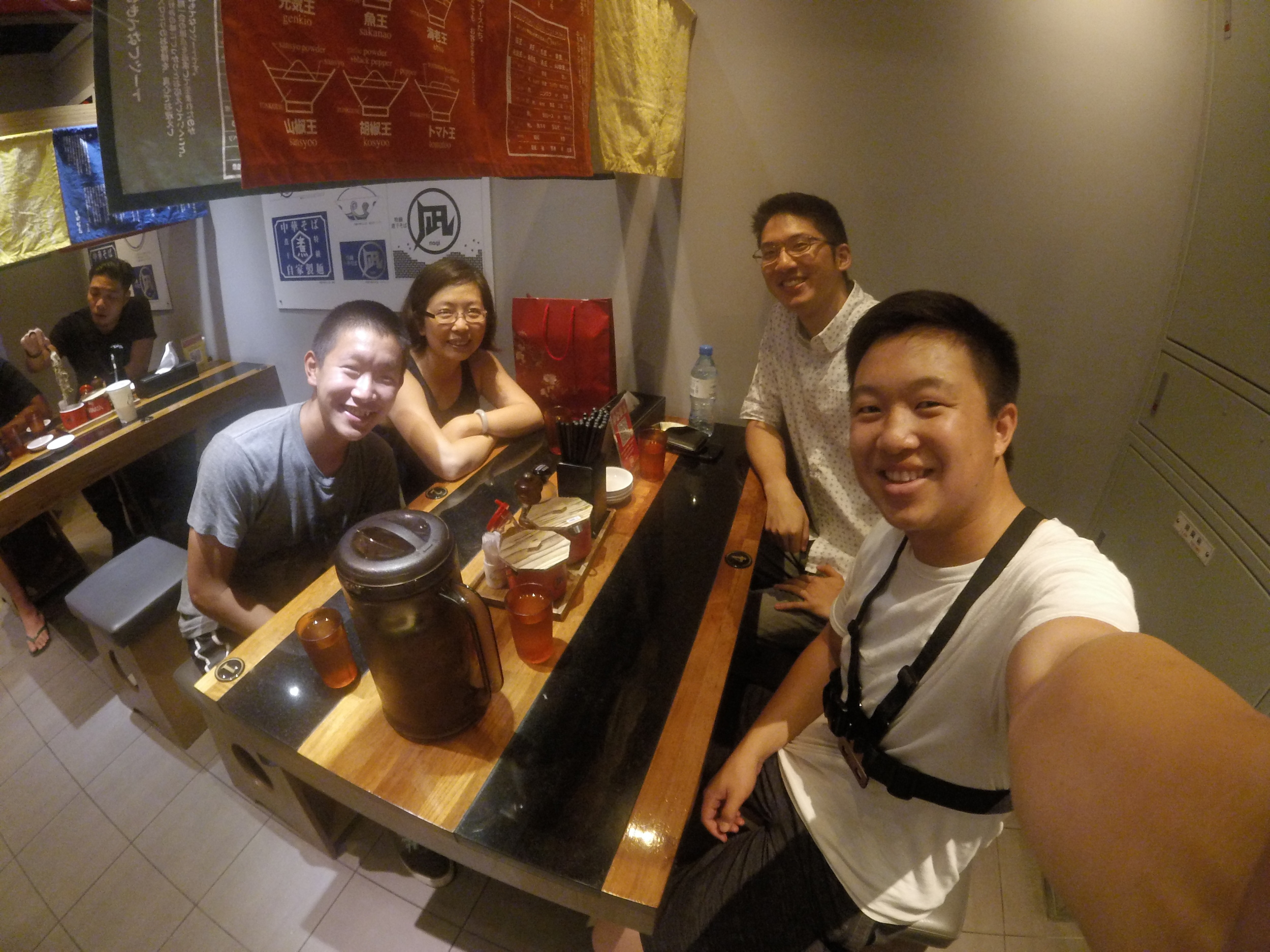 The Zhangs happened to be in Taipei at the same time so we met up and ate dinner!