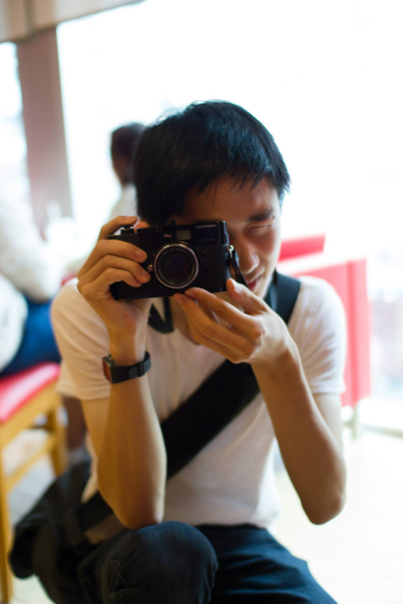 Circa 2014, the last time I held a Leica in my hands. (Photo by  Bennett )