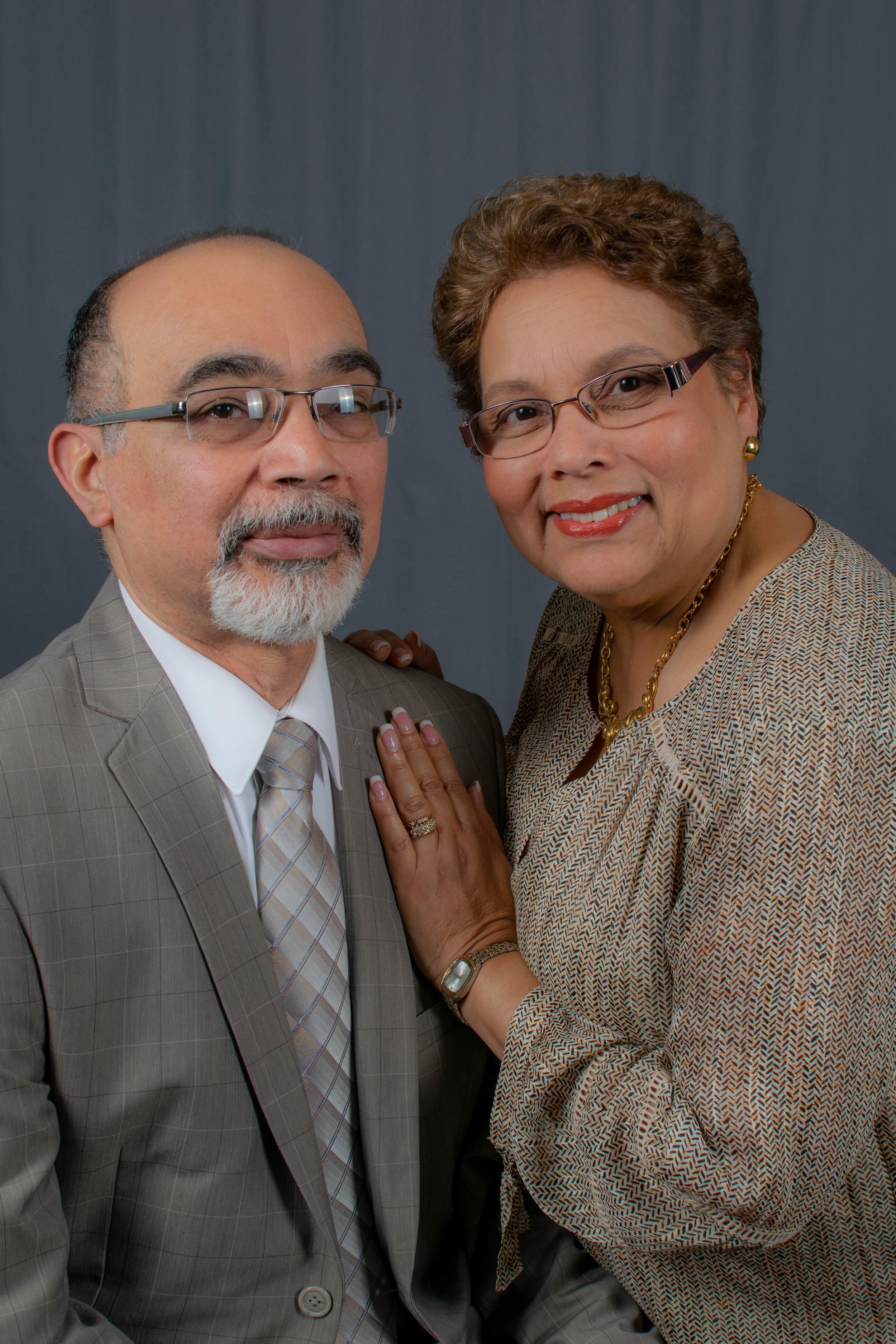Pastor Roque y Maggie Santiago