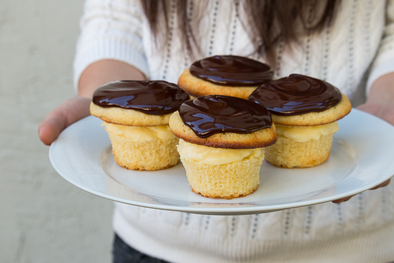boston-cream-pie-cupcakes-6.jpg