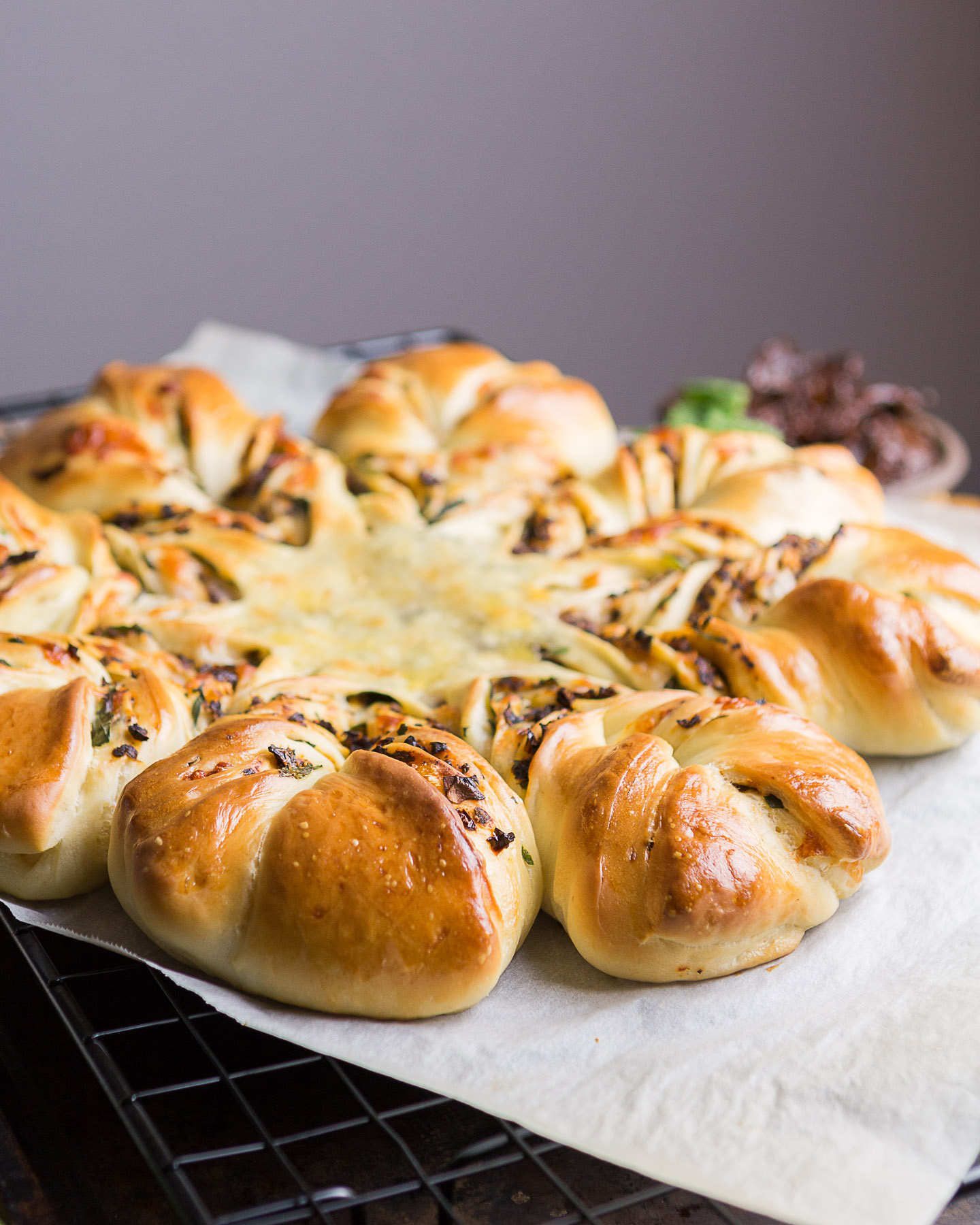 sudried-tomato-basil-star-bread-6.jpg