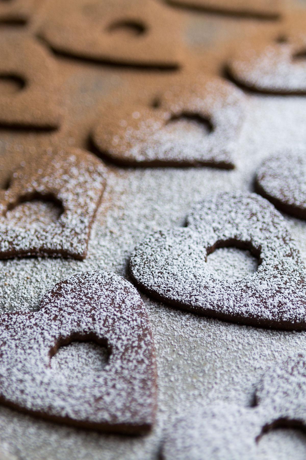 chocolate-linzer-cookies-2.jpg