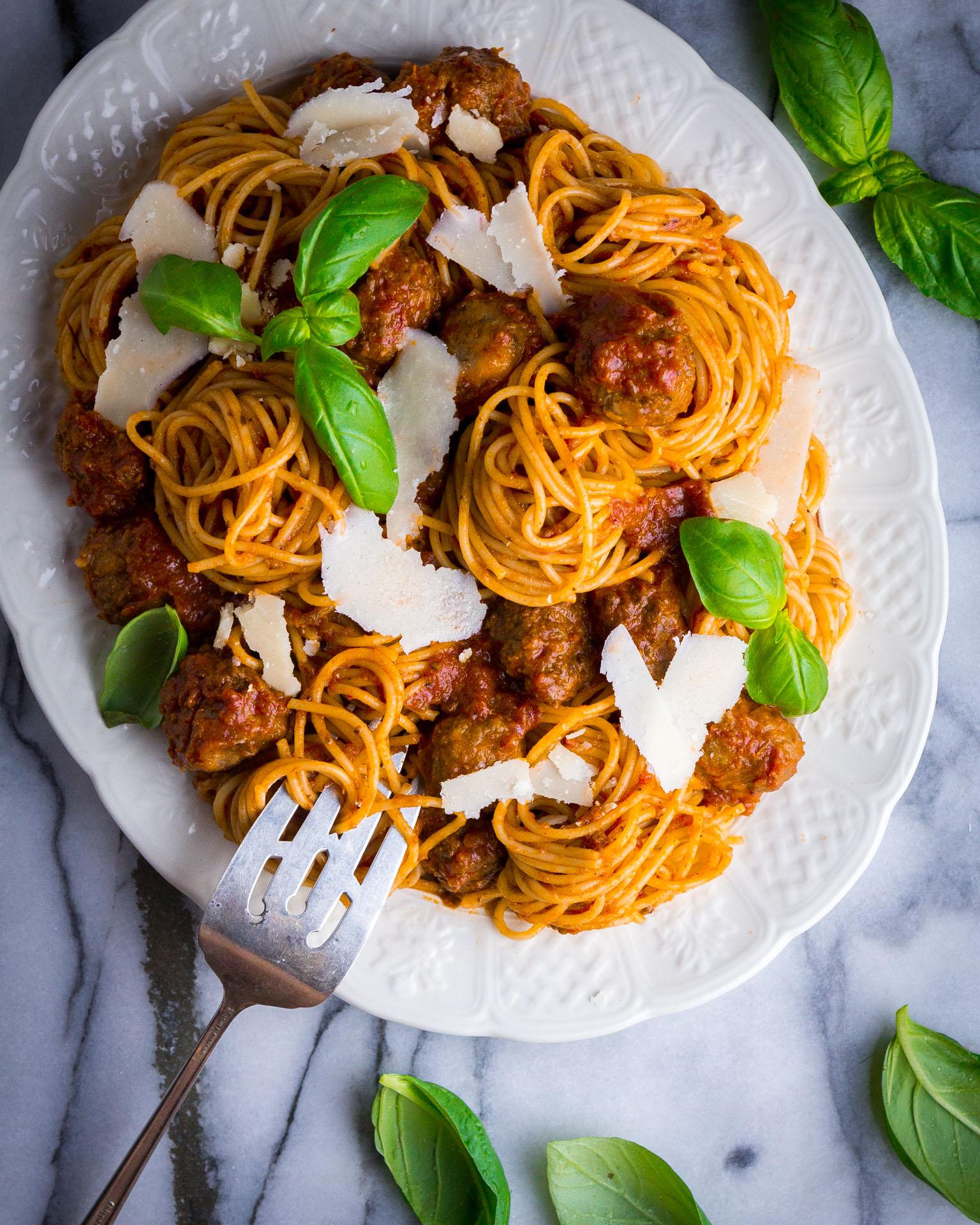 meatballs-tomato-sauce-3.jpg
