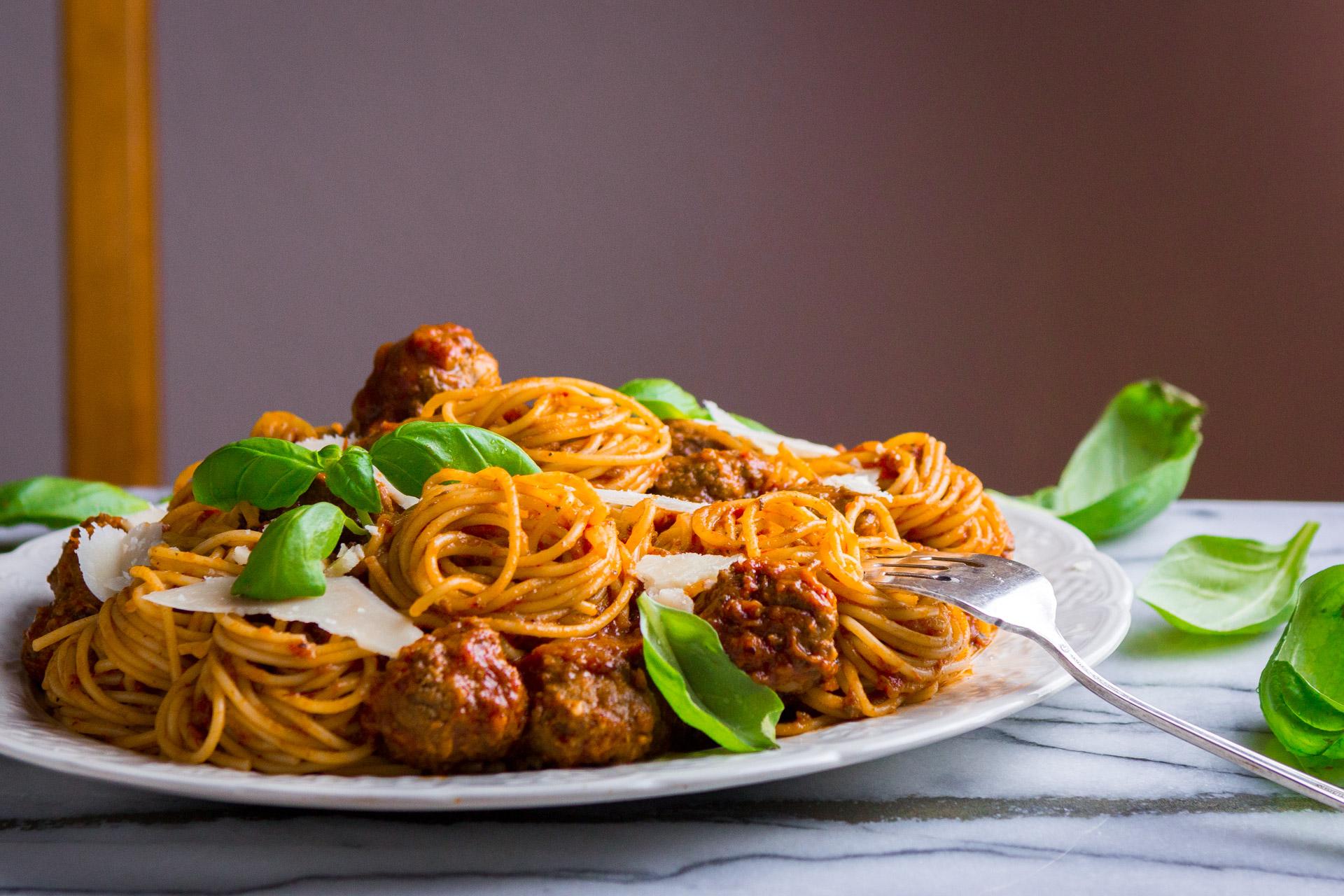 meatballs-tomato-sauce-4.jpg