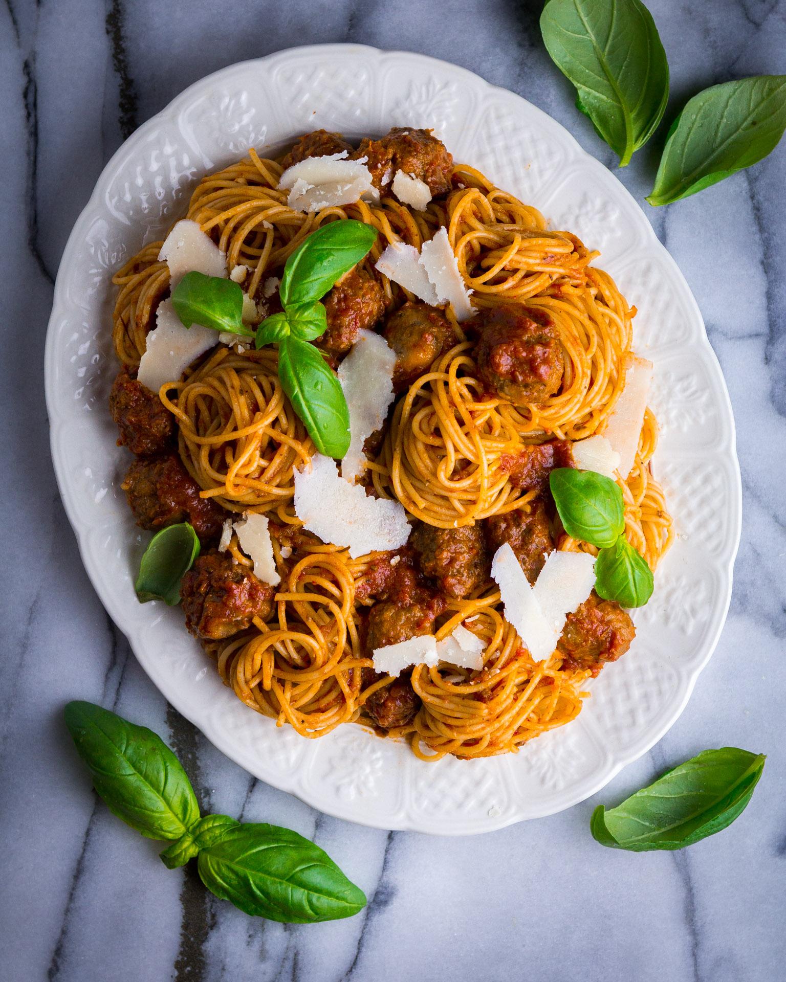 meatballs-tomato-sauce-2.jpg
