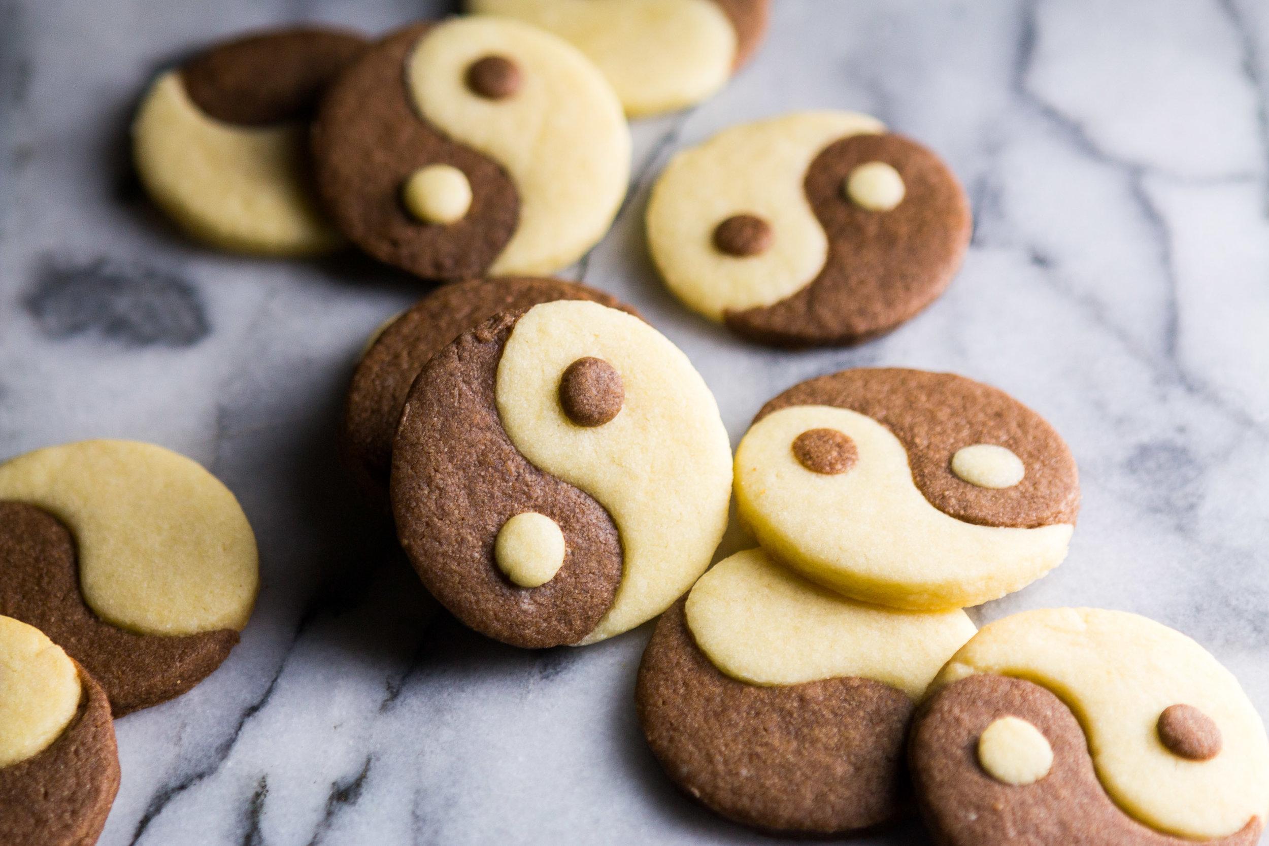 yin-yang-cookies-10.jpg