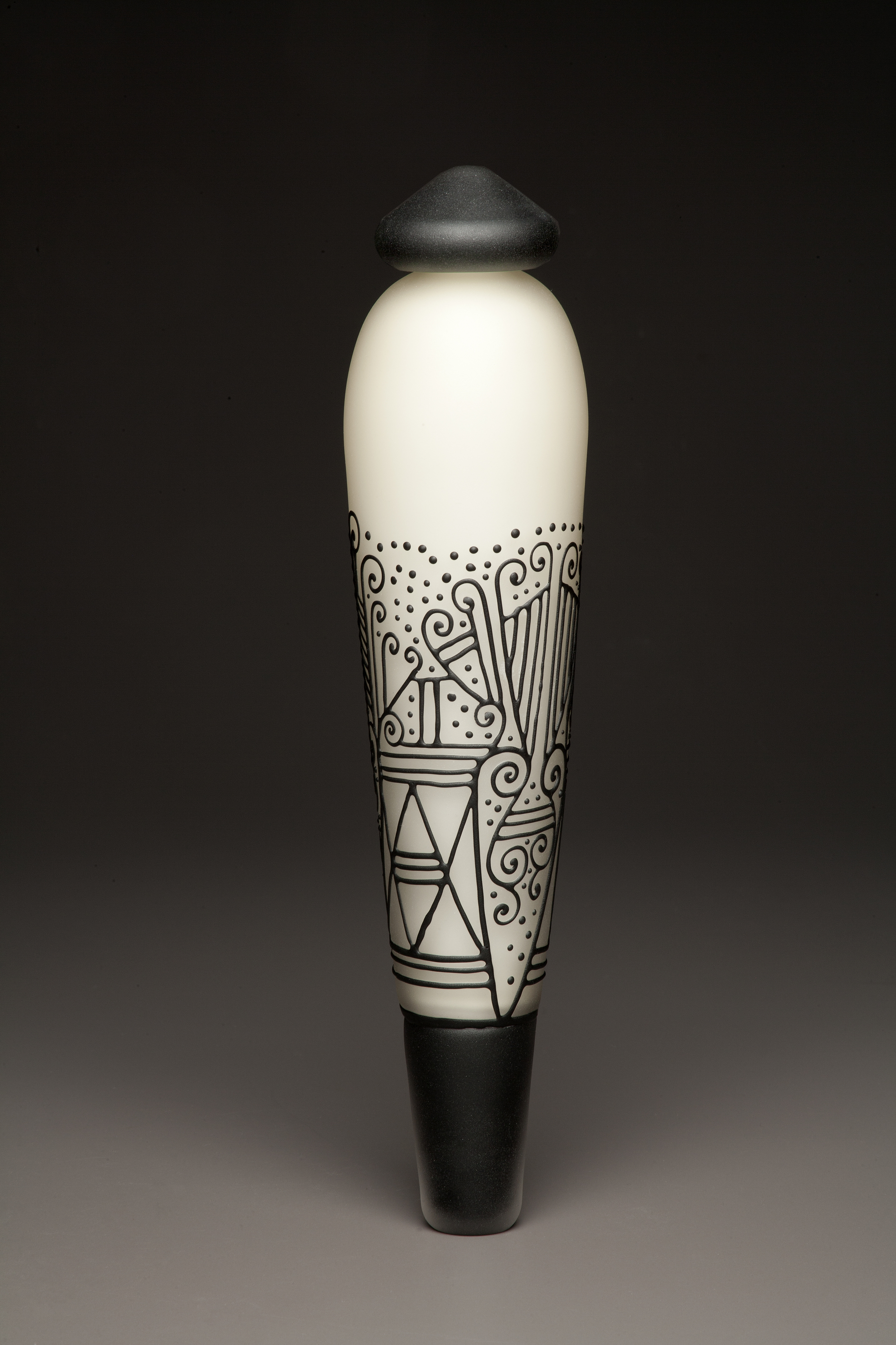 Matte Ivory / Black Pendulum