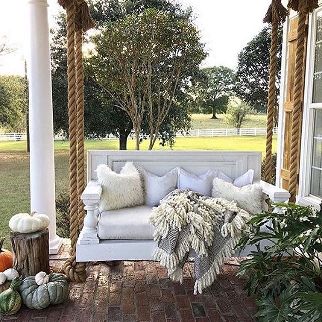 Just perfect for autumn napping.❤️😴🍁🍂Also can we talk about this swing made out of a DOOR?! @cindimc.ivoryhome thank you for inspiring!! #Nestive #loveyourhome #rebuild #nashville #countryhome #musiccity #airbnb #homedecor #patio #fall #autumn #naps