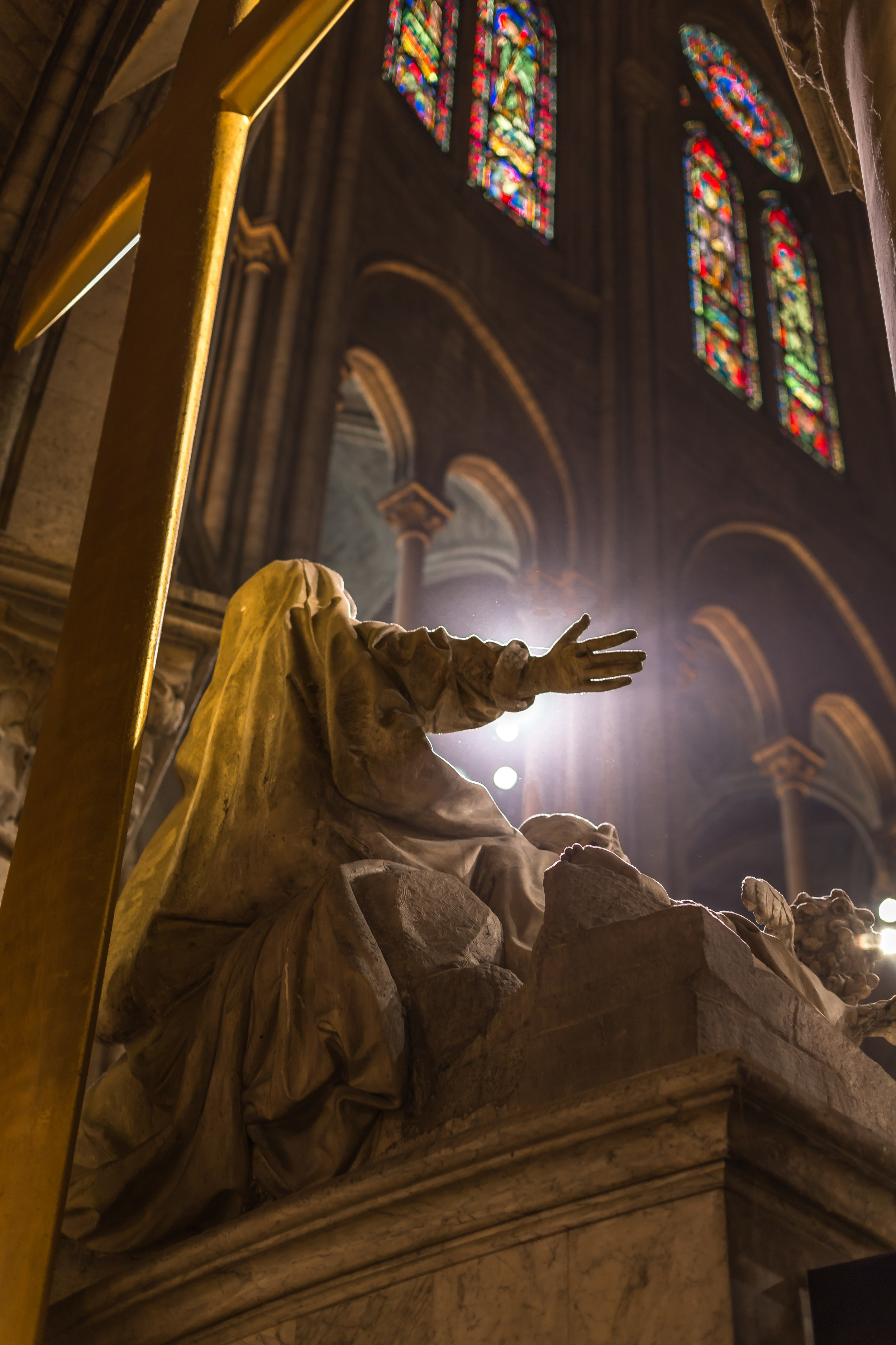 Notre Dame Cathedral Mary.jpg
