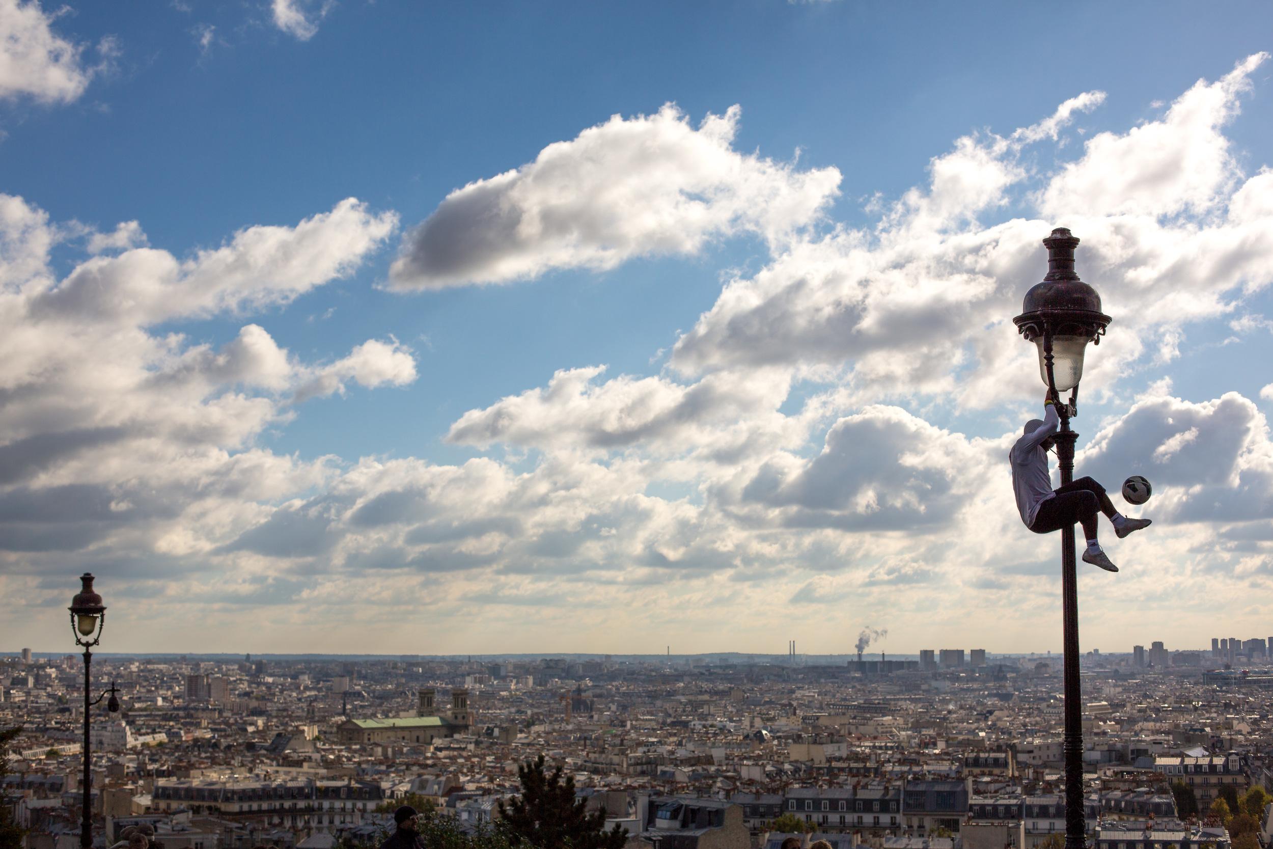 Paris Street Performer Montmartre.jpg