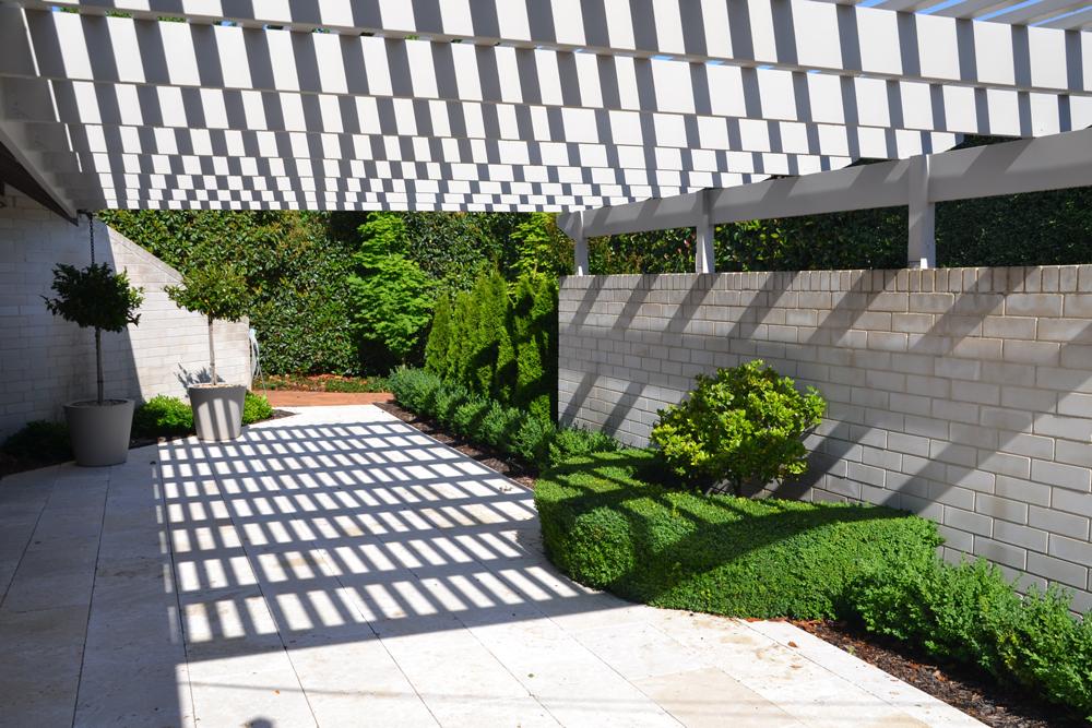 Courtyard2-web.jpg