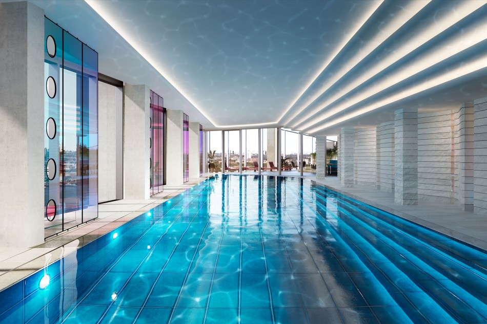 Upper Riverside Club: 15th floor swimming pool, one of London's highest