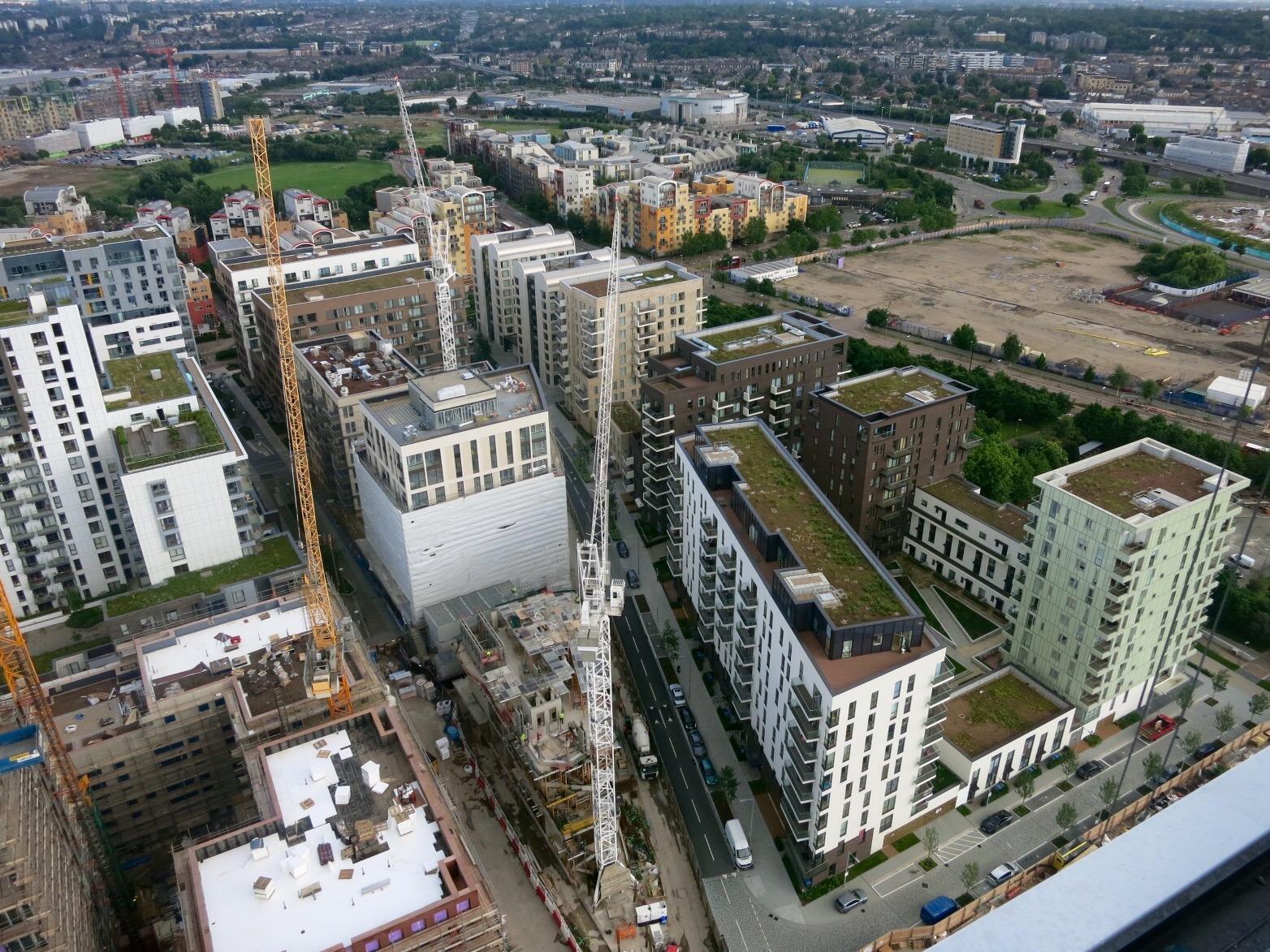 Construction progress of Lower Riverside and Parkside developments, June 2016 [greenpenlondon]