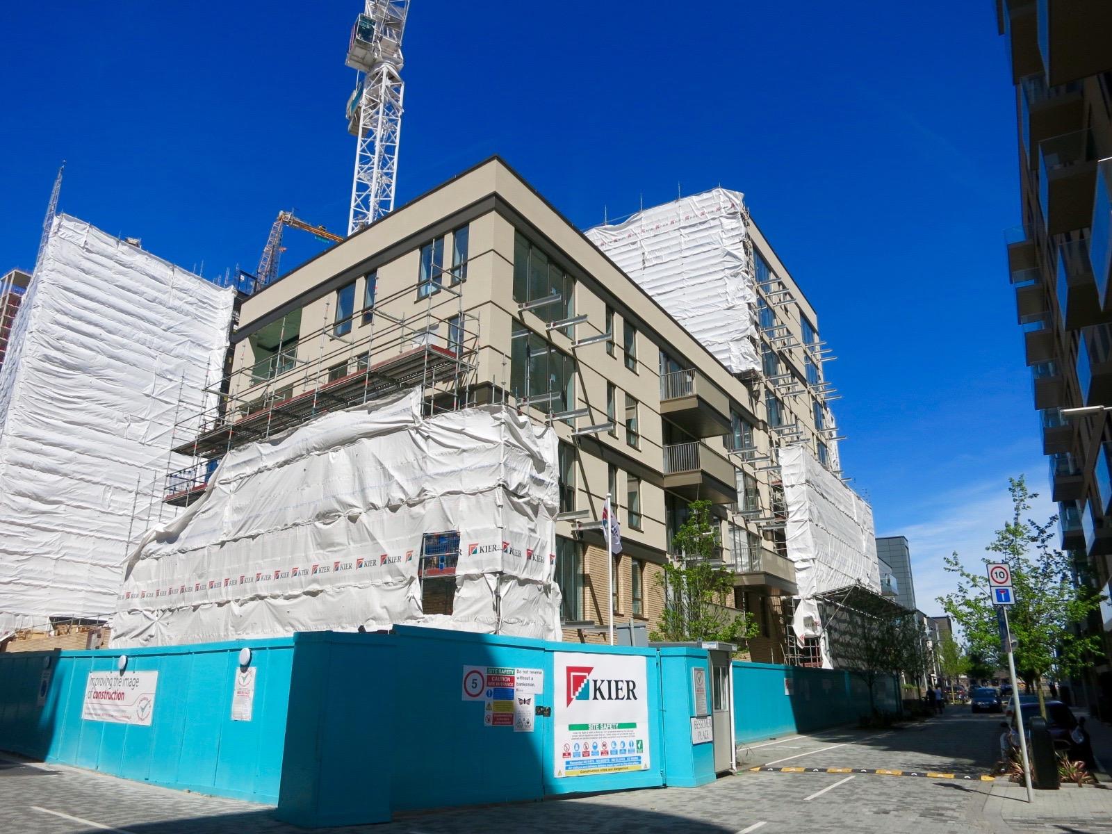Construction progress of The Fulmar -  May 2016  [greenpen.london]