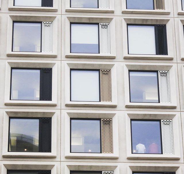 #scape #scapegreenwich #studentaccomodation #parkside #greenwichpeninsula #london #architecture #northgreenwich