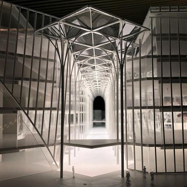 Entrance to the new Greenwich Peninsula tube station and galleria #northgreenwich #greenwichpeninsula #calatrava #santiagocalatrava #architecture #galleria #london #architecturalmodel