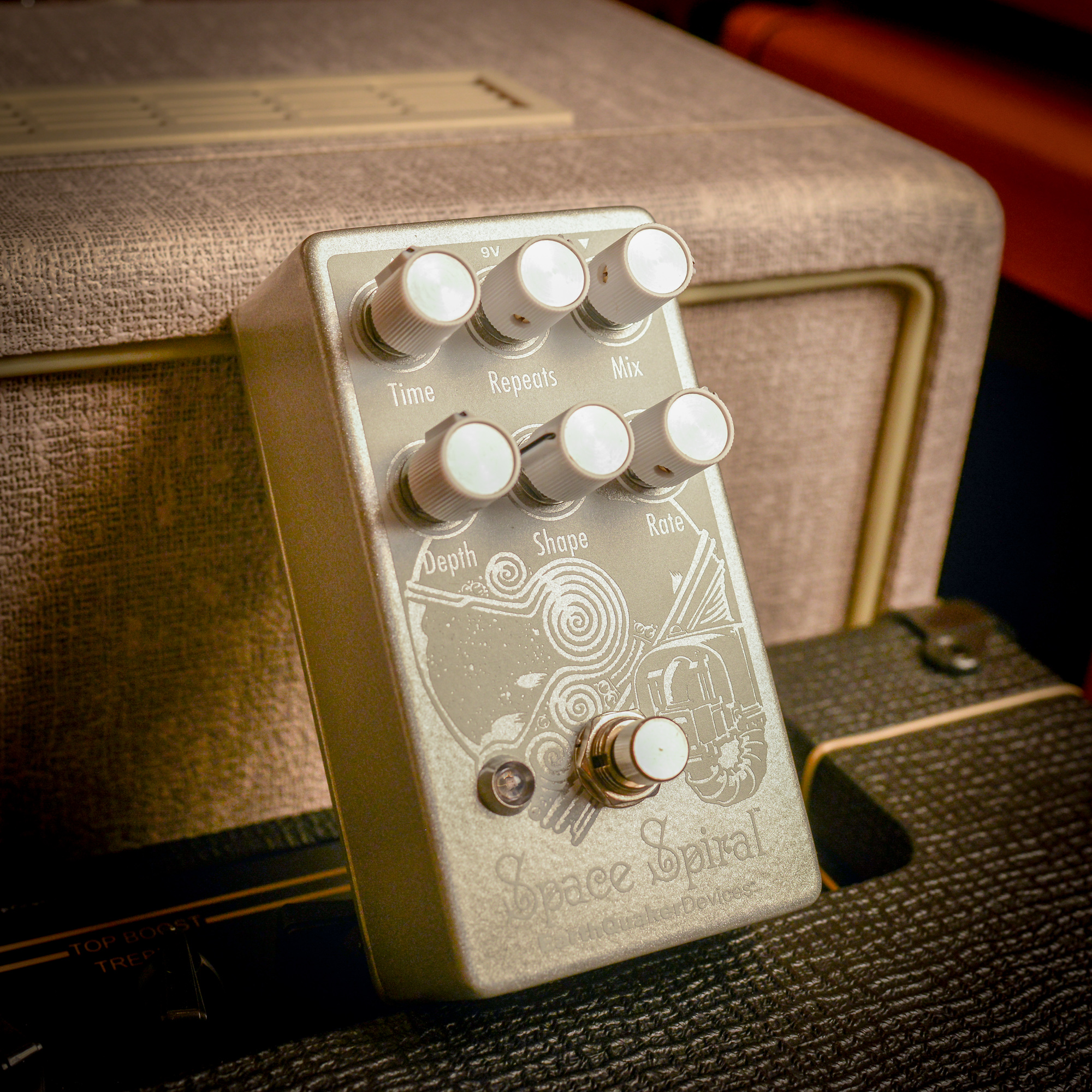 EarthQuaker Devices   Chicago Music Exchange