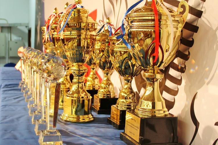Championship+Trophies+2014.jpg