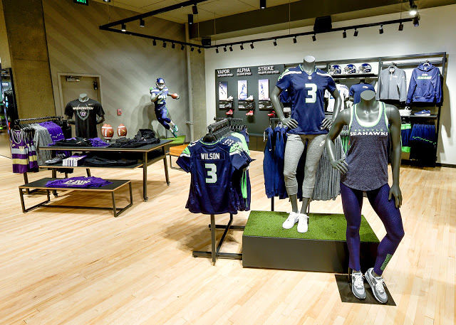 Nike-SeattleReopeningBeautyShots_7.29.15-12_rectangle_1600.jpg