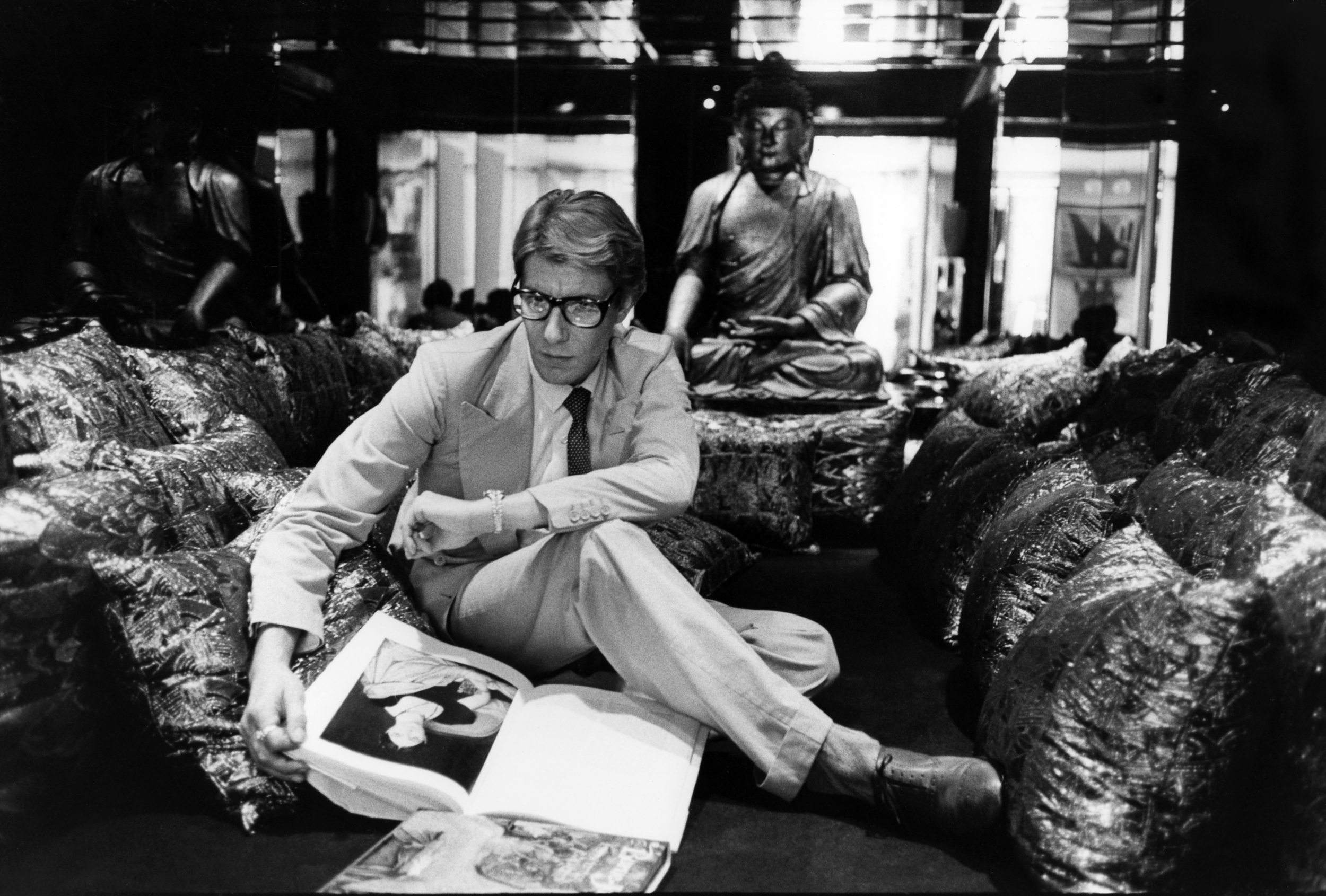Yves Saint Laurent at home, 55 rue de Babylone, Paris, 1977.