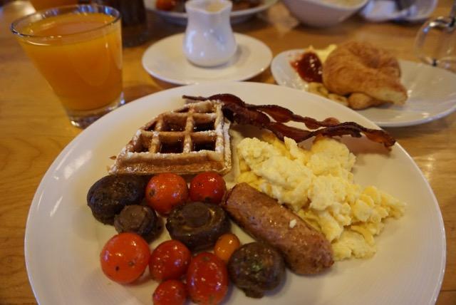 Kingfisher breakfast plate.jpg