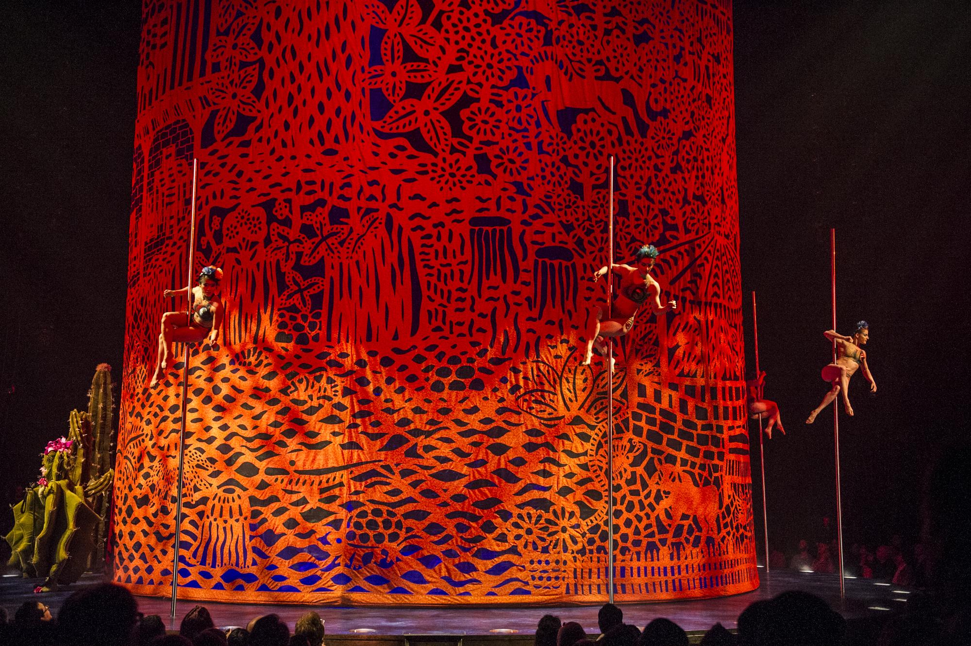 Photo: Laurence Labat / Costumes: Giovanna Buzzi / © 2016 Cirque du Soleil