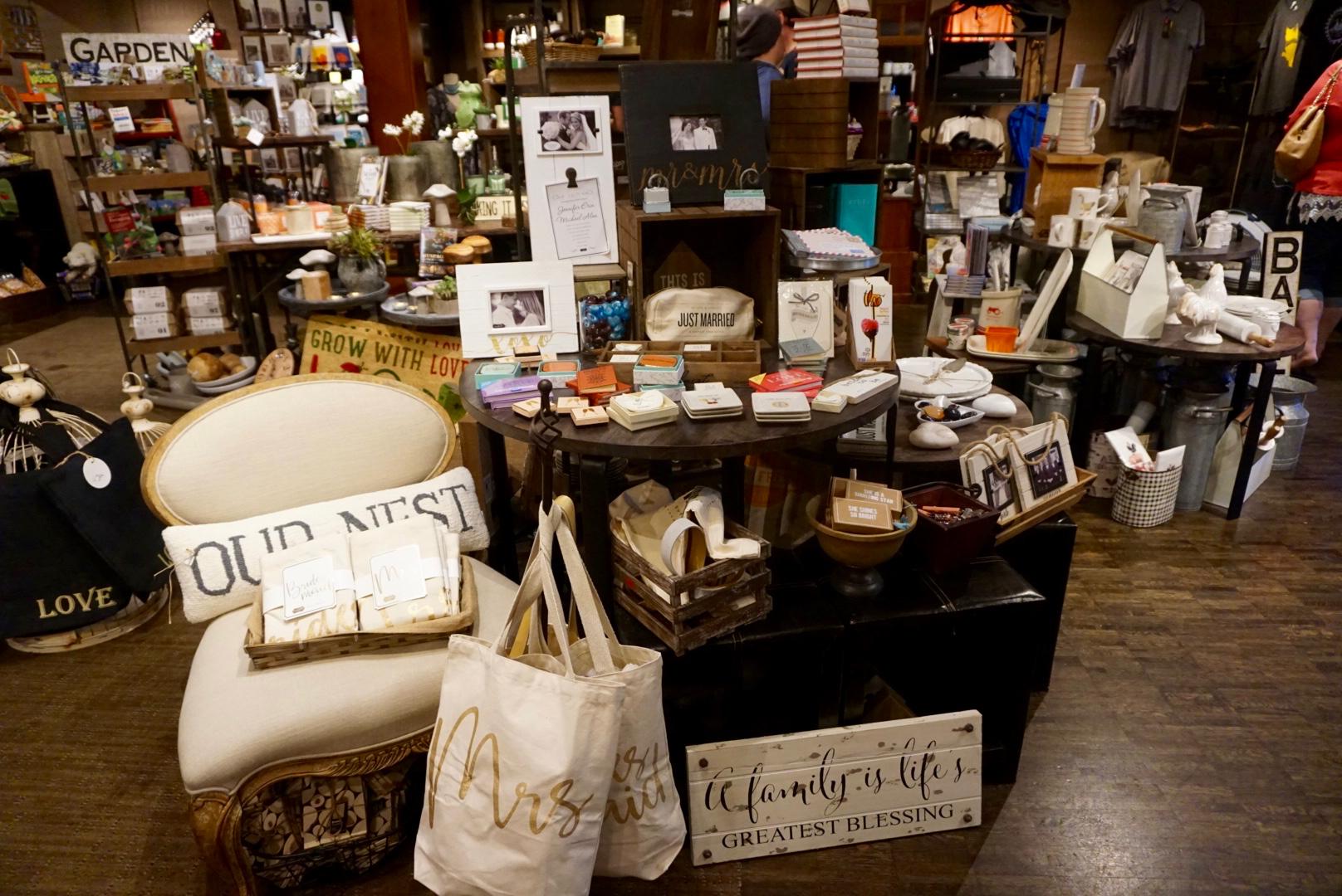 Salish Lodge The Country Store 1.jpg