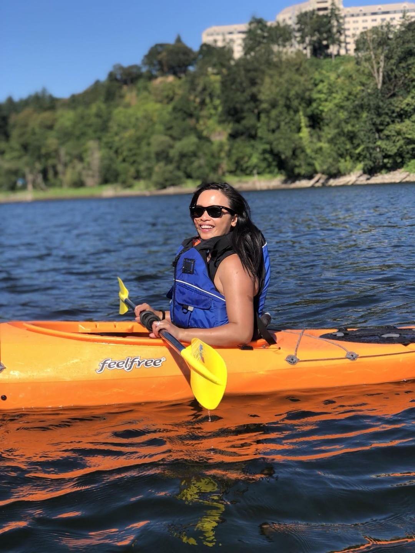 On Lake Oswego with Alder Creek Kayaking