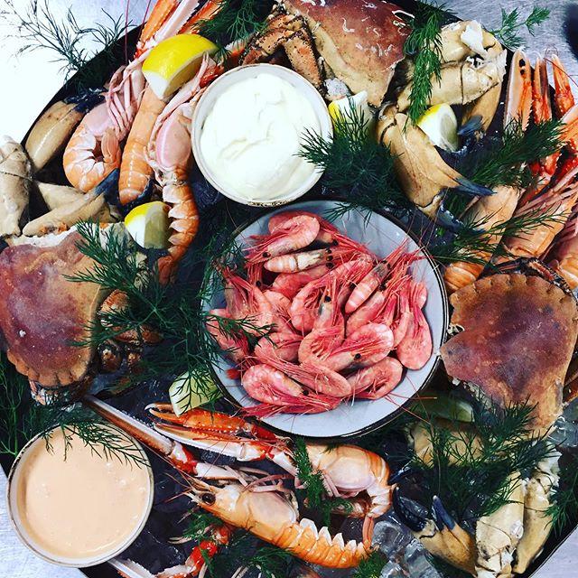 Ni vet väll att man kan äta klassisk skaldjurs plateau hos oss? #eriksberg #riverrestaurant #skaldjur