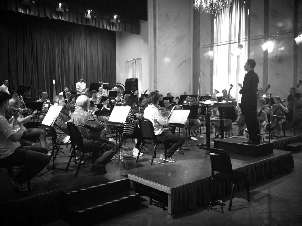 Juni 2014: Draganov bei Proben zu einem Konzert mit dem Karlsbad Symphony Orchestra in Tschechien. Auf dem Programm stand u.a. die 4. Symphonie von P.I. Tschaikowsky.