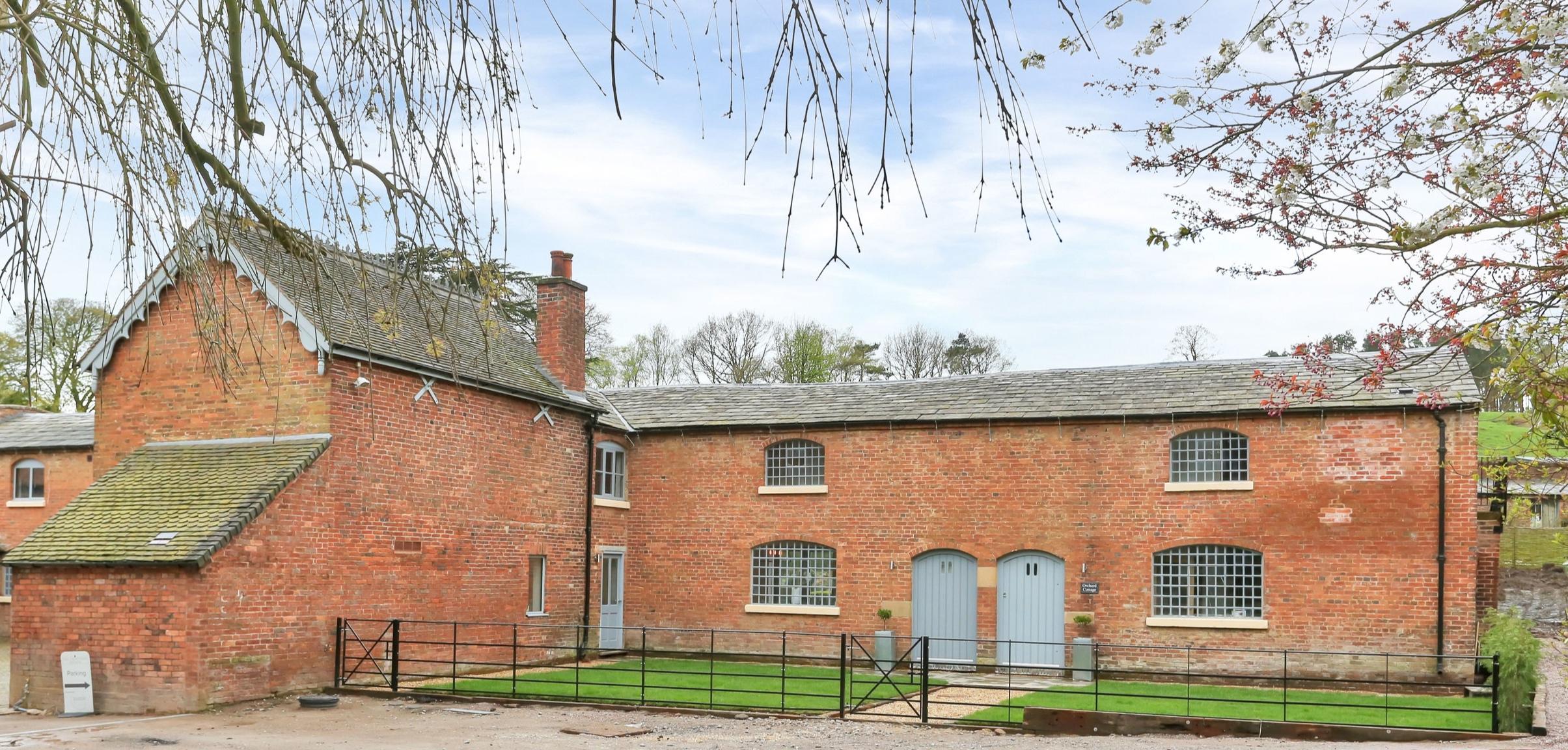 Orchard Cottage PH-5.jpg