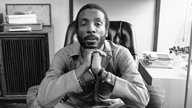 civil-rights-activist-dick-gregory.jpg