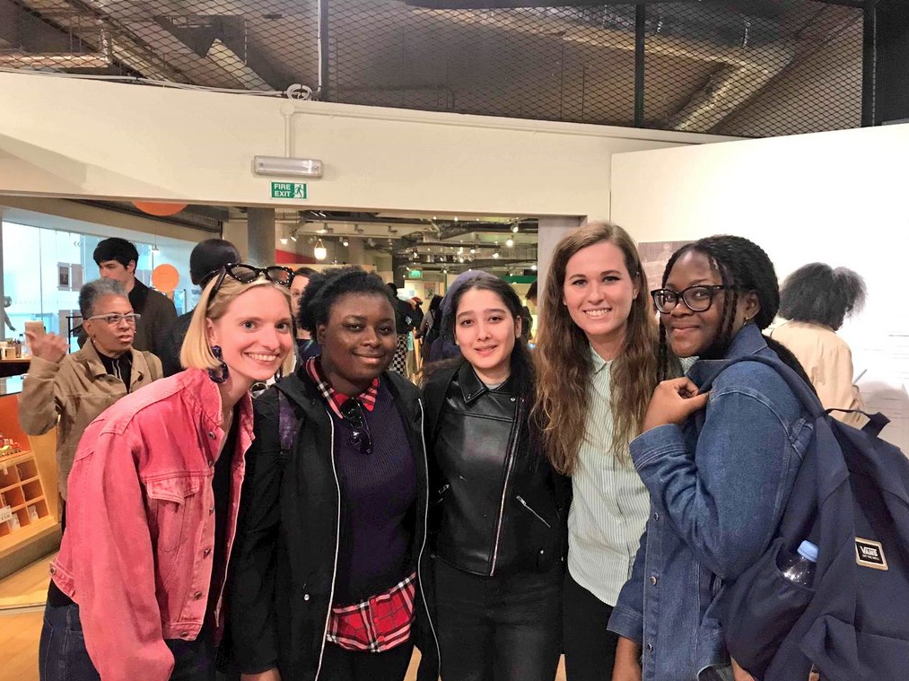 Local Audiences Curator Alice, PEER Notices artist Rebecca Moss and PEER Ambassadors Fatim, Naile and Amida on gallery trip