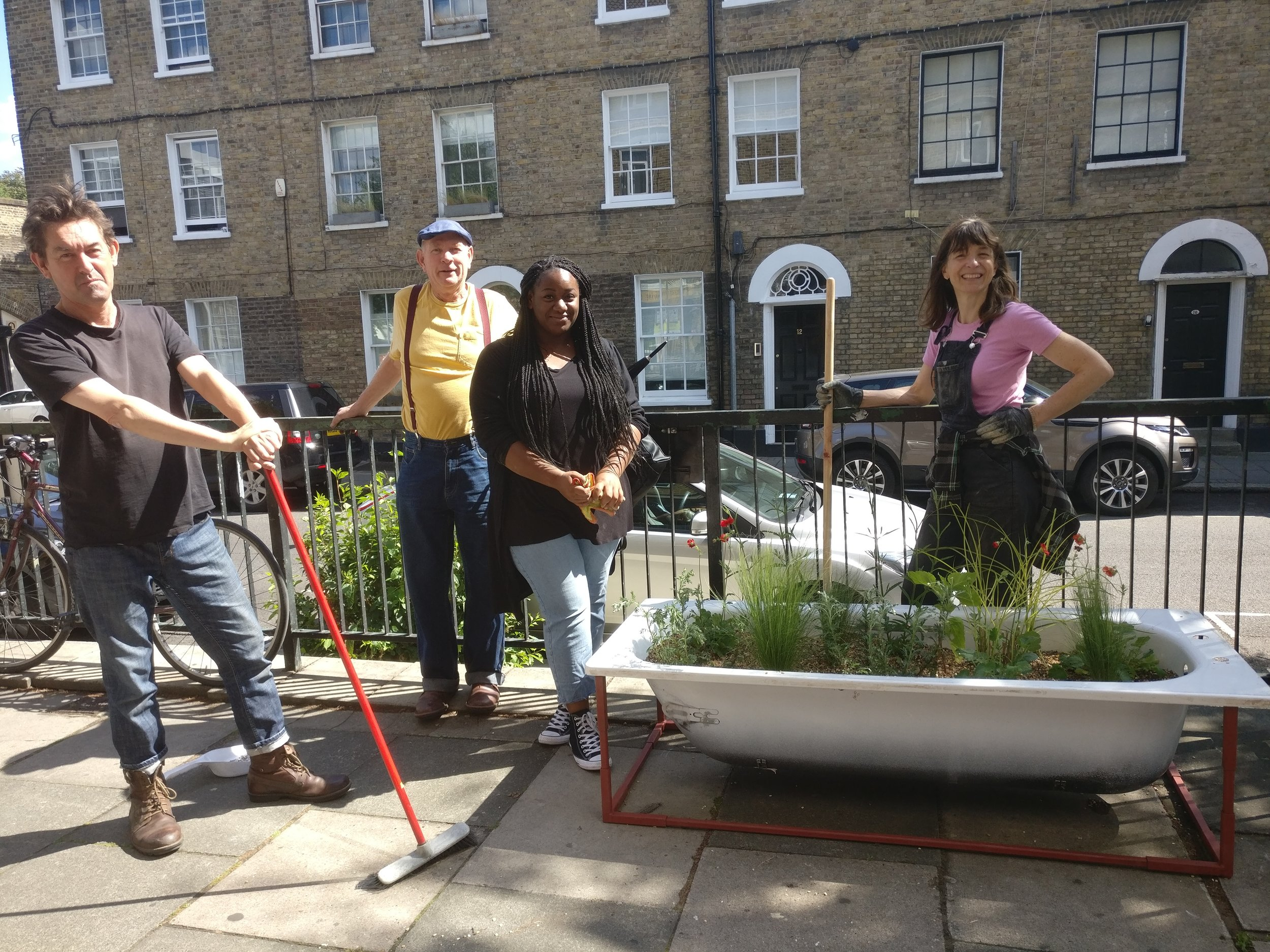 Final bath installed at Hundred Years Gallery with volunteers Graham, Peter, Devinya and chief PEER gardener Jane