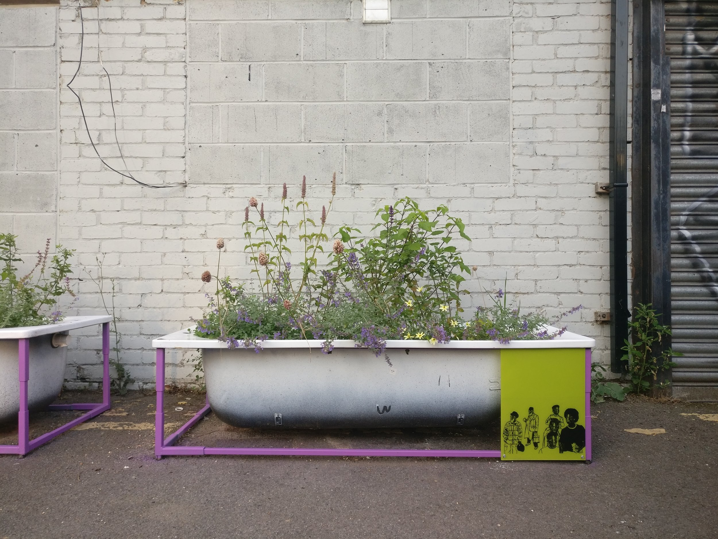PEER tub artwork 2/2