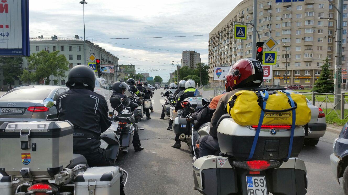 Samat liikennevalot, mutta letkan perästä :)