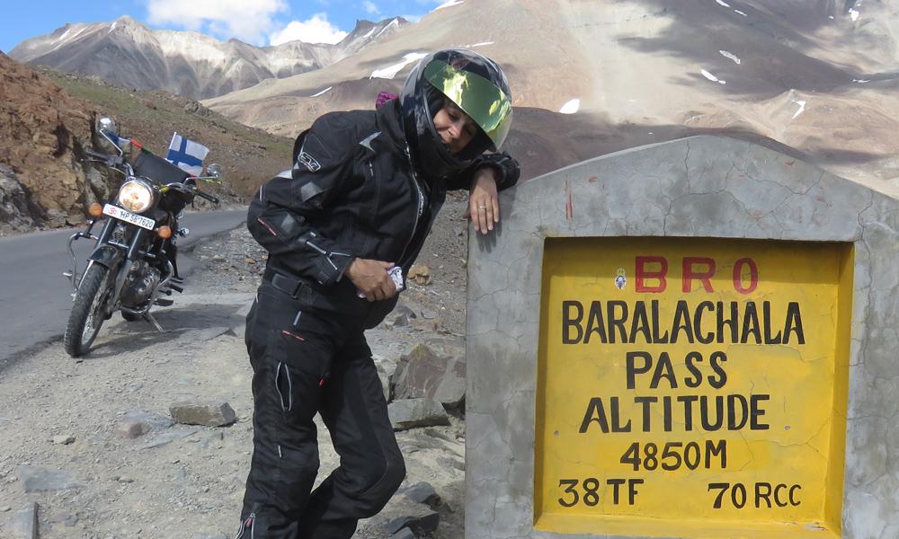 Tämän päivän suurin korkeus... Baralachala Pass.