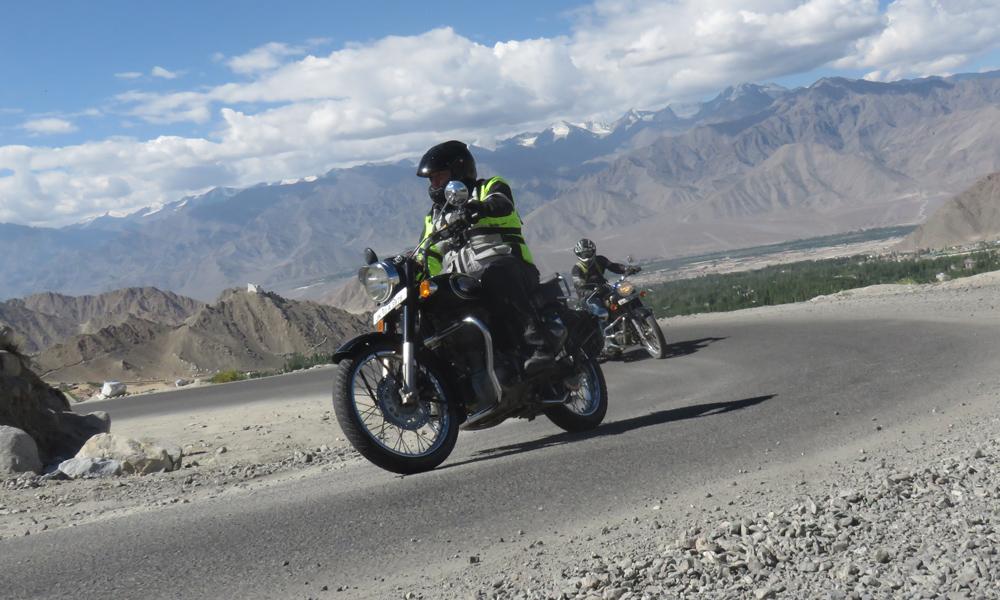 Kimmo ja Hessu matkalla Himalayan katolle!