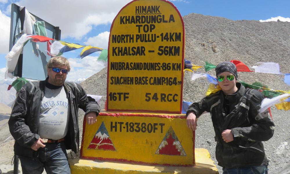 Senior ja Junior K-kauppiaat Himalayan katolla!