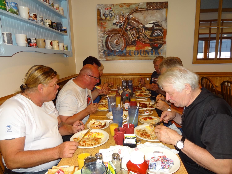 Hyvin maistui kunnon amerikkalainen aamiainen, jolla jaksettiinkin käytännössä koko päivä.