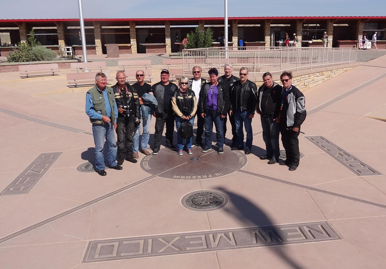 Porukkamme jakaantuneena kolmen osavaltion alueelle, Arizonaan, Utahiin ja Coloradoon. New Mexicoa oli jo nähty tarpeeksi, joten sinne ei enää halunnut kukaan.