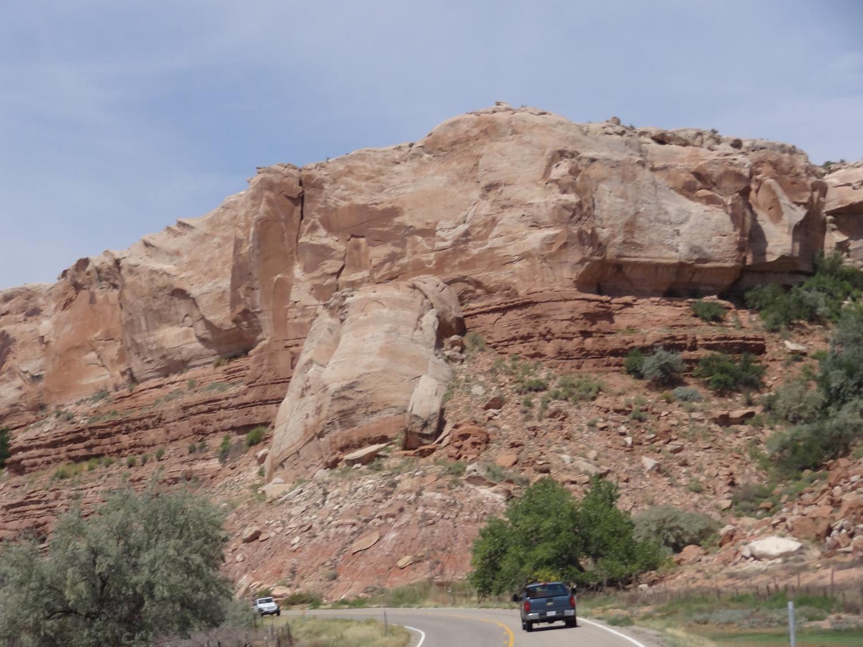Isoja kiviä...