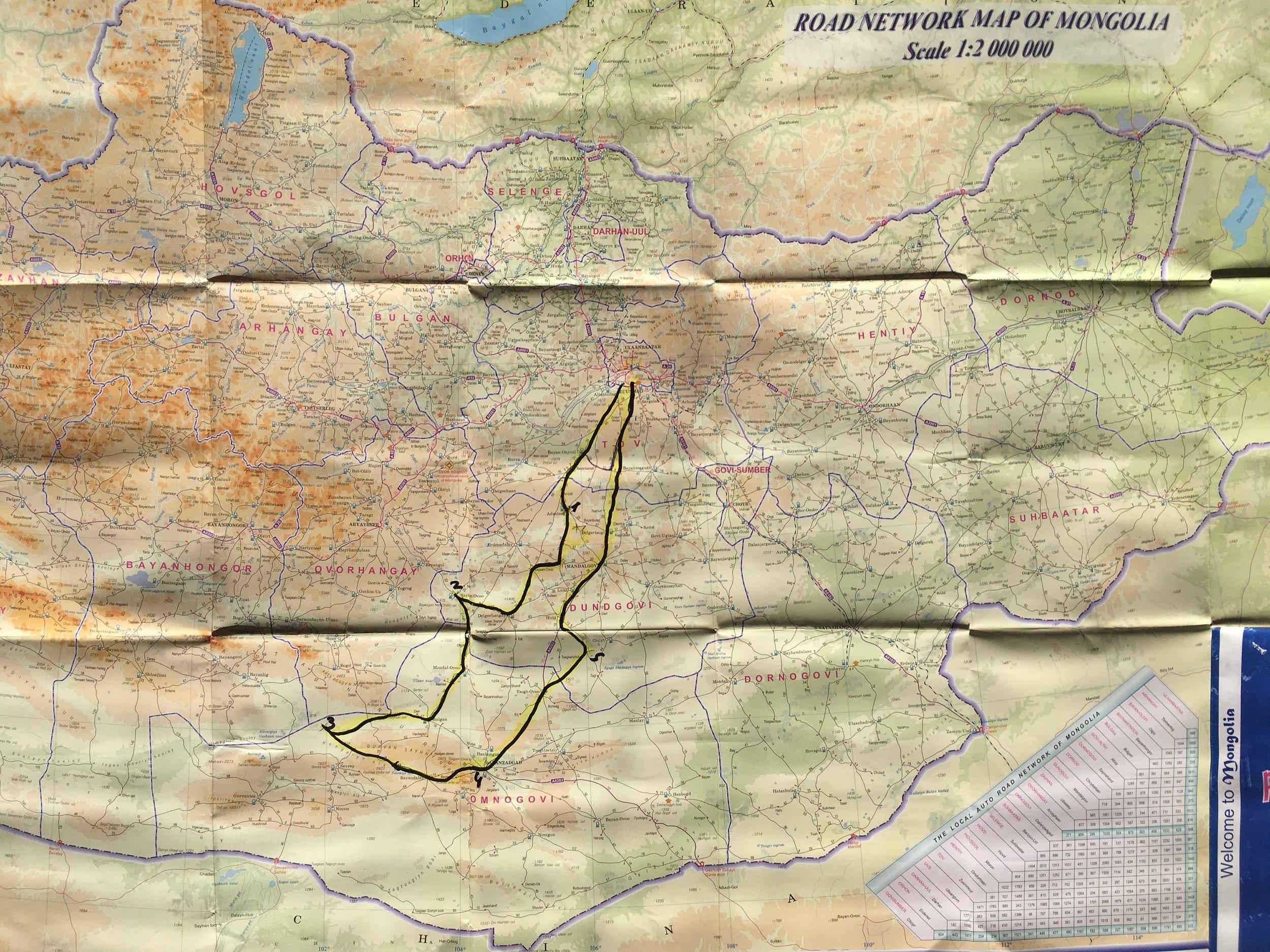 Koko reittimme - noin 1500 kilometriä, joista noin 90% asfalttien ja pääteiden ulkopuolella... Silti vain pieni pintaraapaisu siitä mitä Mongolialla on tarjottavana!
