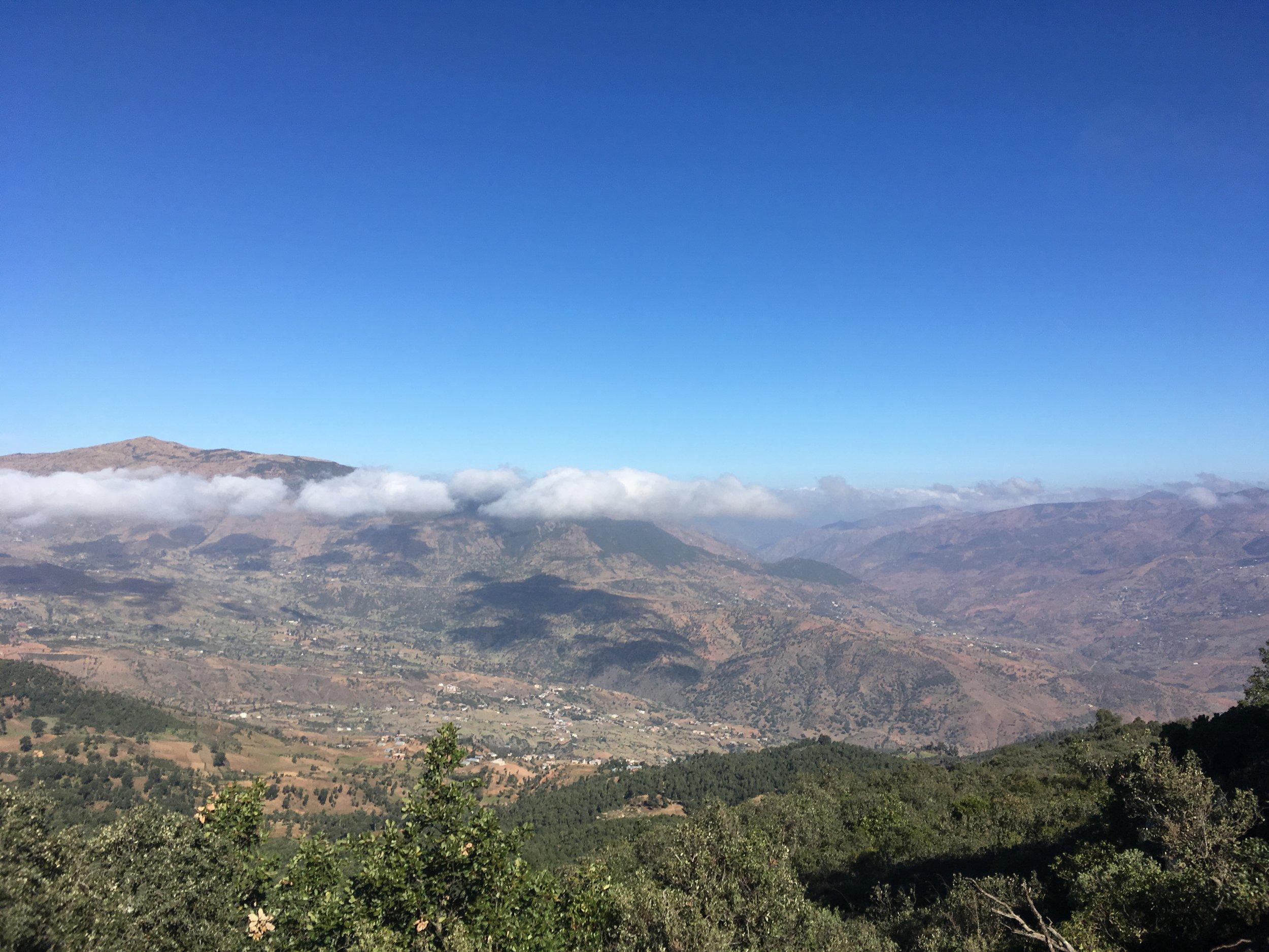 Henkeäsalpaavat maisemat Rifin vuoristossa...